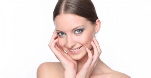 700-woman-beauty-skin-makeup-cosmetics-eyeshadow